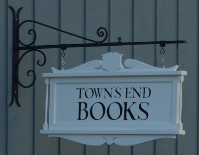 Town's End Books